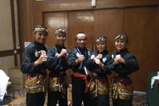 Bali juara umum silat seni di Popwil III Solo