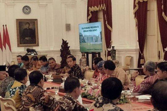 Presiden terima sejumlah bupati di Istana Merdeka