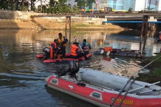 Bocah laki-laki dilaporkan tenggelam di Kanal Banjir Barat