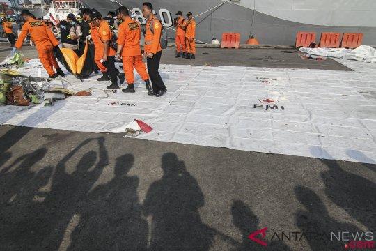 KN Sadewa bawa delapan kantong jenazah korban Lion Air JT 610