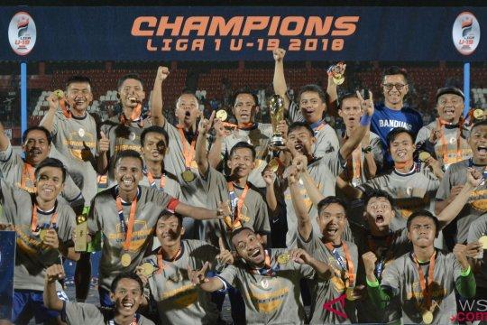 Pendukung Persib tumpah ruah rayakan juara Liga 1 U-19