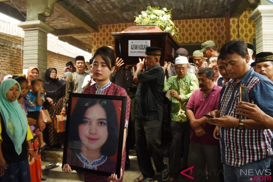 Jenazah pramugari Lion Air disambut tangis keluarga di Madiun