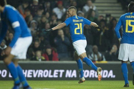 Neymar cedera saat Brazil kalahkan Kamerun