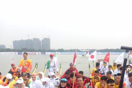 Tim perahu naga Indonesia raih emas kejuaraan Asia di Fosan