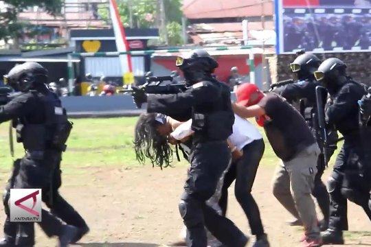 Brimob Polda Malut gelar simulasi penanganan teroris