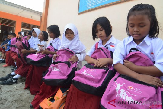 Ribuan paket bantuan disalurkan untuk korban tsunami