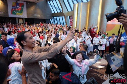 Jokowi harapkan caleg perempuan kampanye dari rumah ke rumah warga