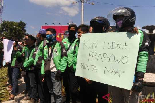 Pengemudi ojek daring jember protes pernyataan Prabowo