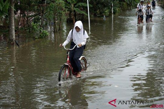 Jawa Tengah bagian selatan masih hadapi potensi hujan lebat