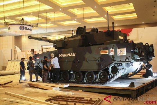 "Jokowi berikan nama Medium Tank di ""Indo Defence"""