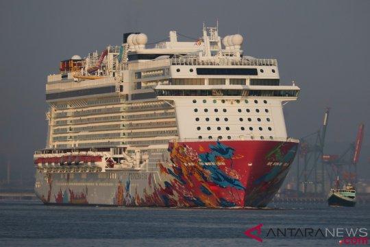 Kapal Pesiar Genting Dream Di Surabaya