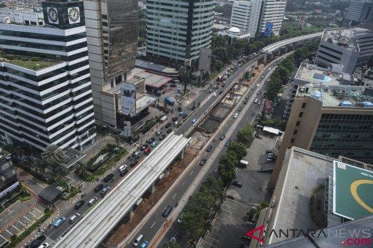 Ekonom: penundaan sementara LRT dan kereta cepat merupakan langkah tepat