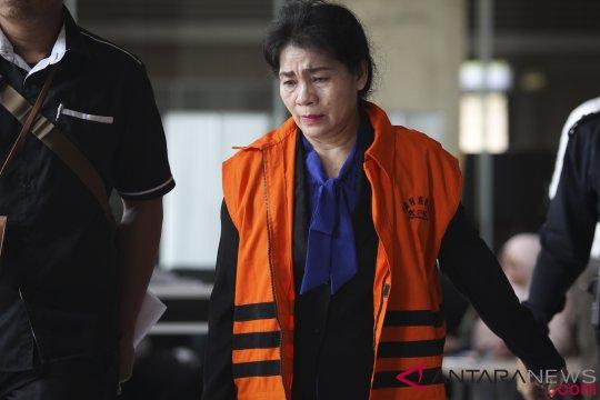 Penahanan dua tersangka suap PN Medan diperpanjang
