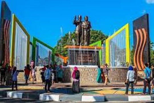 Patung Habibie 7 meter akan dipajang di Bandara Djalaluddin