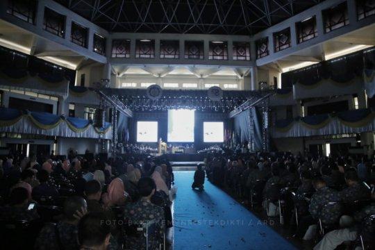 164 dosen dari seluruh Indonesia magang di 8 PTN
