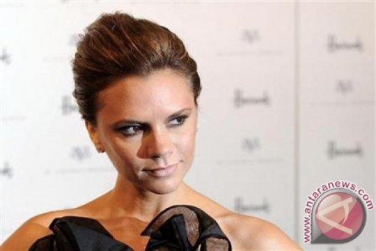 Victoria Beckham luncurkan koleksi make-up di Pekan Mode London