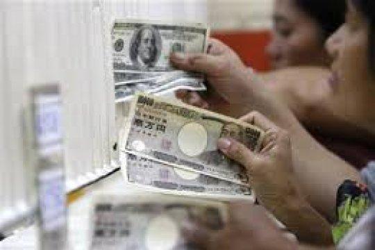 Melemah tipis, dolar diperdagangkan di paruh atas 106 yen