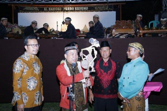 MPR sosialisasikan empat pilar di Lampung lewat wayang kulit