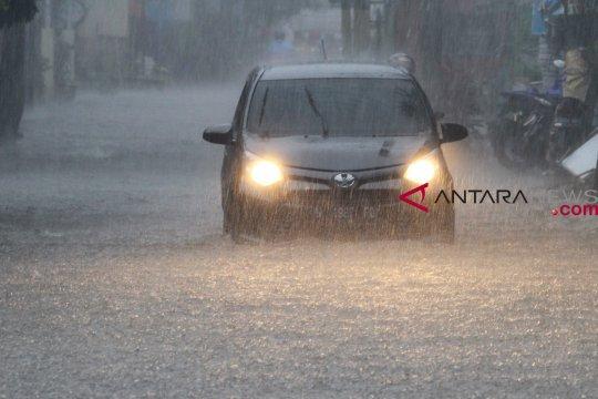 Sejumlah ruas jalan di Kabupaten Malang terendam banjir