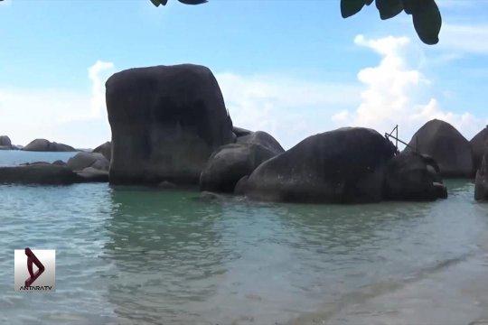 Indahnya bebatuan raksasa Belitung
