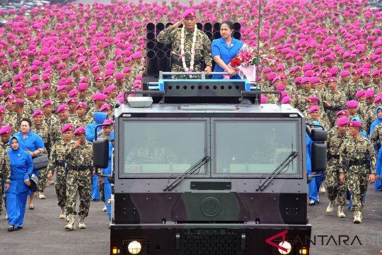 Ribuan prajurit marinir lepas Dankormar Bambang Suswantoro