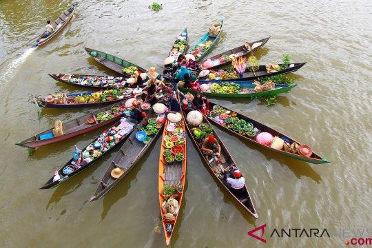 Pasar Terapung, budaya Kesultanan Banjar