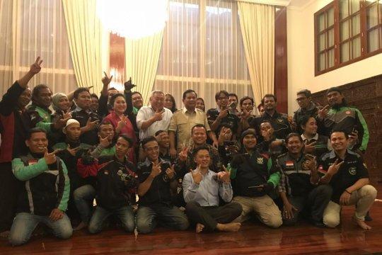 "Prabowo dengarkan ""curhat"" ojek daring"