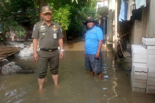Kembangan Utara banjir setengah meter