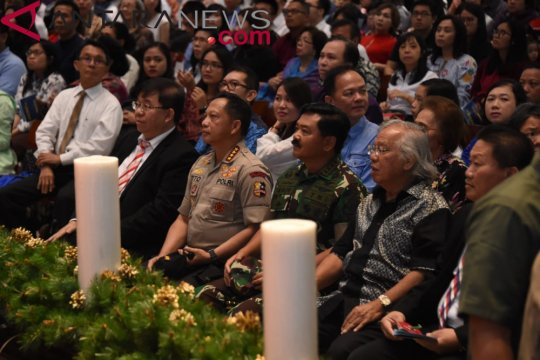 Kapolri-Panglima TNI ajak jemaat doakan korban tsunami