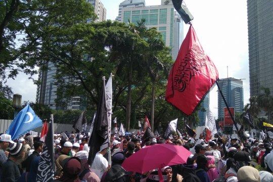Massa mulai berkumpul di depan Kedutaan Besar China di Jakarta