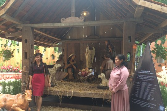 Bersyukur atas kekayaan alam Indonesia dalam sukacita Natal di Katedral