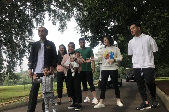 Jokowi kumpul bersama keluarga jadi trending topik