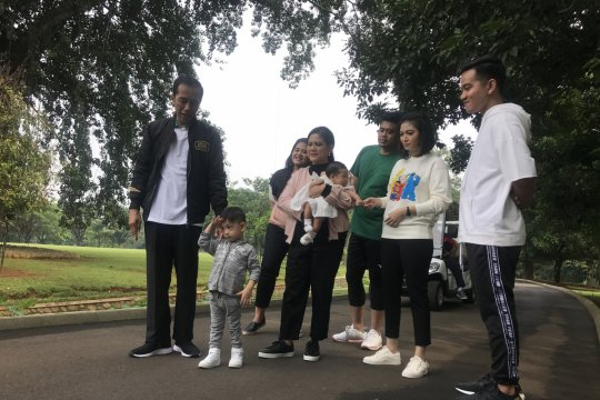 Adaptasi politik keluarga harmonis ala Obama di Indonesia
