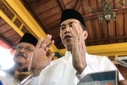 Presiden berharap Tol Trans-Jawa buka lebih banyak lapangan kerja