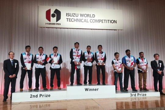 Mekanik Isuzu Indonesia juara 2 World Technical Competition