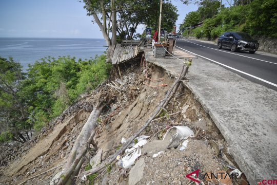 Daerah terdampak gempa diminta waspada longsor