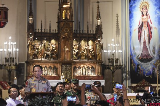 Kapolri dan Panglima TNI Kunjungi Gereja Katedral