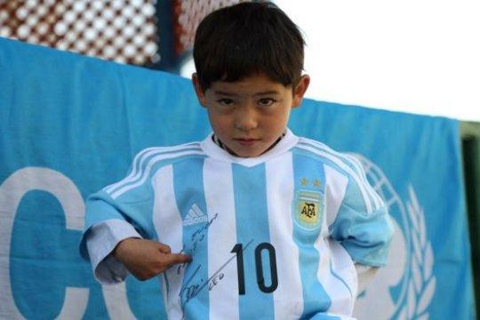 """""""Messi Kecil"""" dari Afghanistan mengungsi akibat ancaman Taliban"""