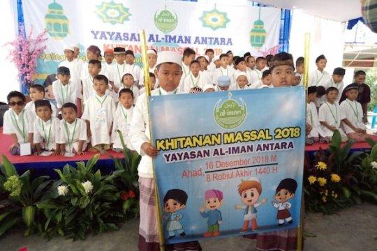 Yayasan Al Iman Antara Gelar Khitan Massal