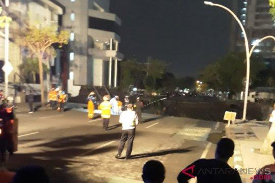 Saksi bercerita tentang Jalan Gubeng Surabaya ambles