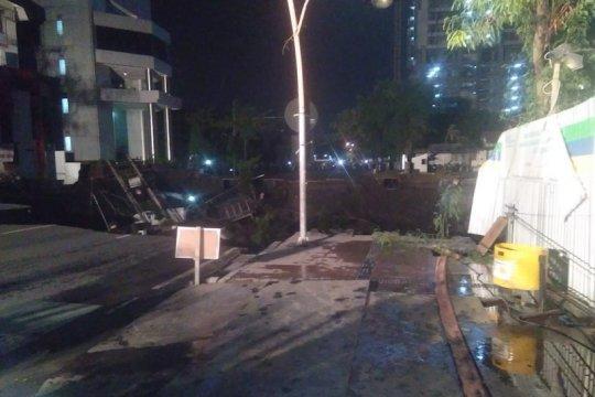 Jalan Sulawesi jadi dua arah setelah Jalan Gubeng ambles