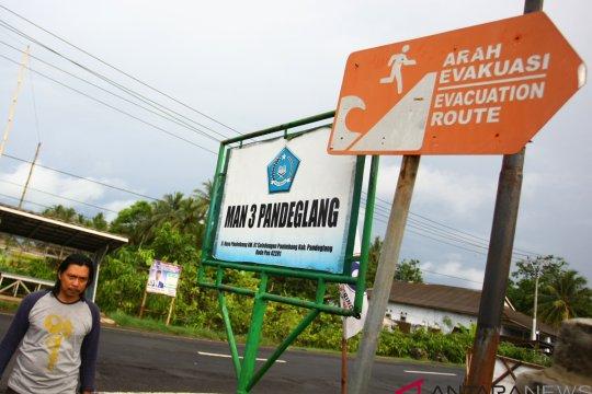 Agam masih butuh 66 papan petunjuk evakuasi tsunami