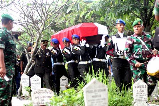 Letnan Kolonel CPM Dono Kuspriyanto sempat kirim video di grup alumni SMA