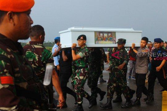 Korban penembakan KKB Papua segera tiba di Kupang