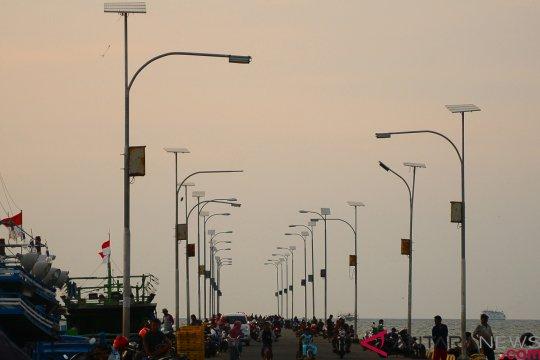 10.000 lampu panel surya terangi pelosok Kabupaten Ketapang