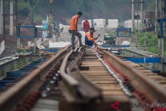 Indef nilai reaktivasi rel kereta api tingkatkan perekonomian