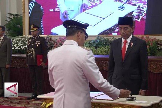 Presiden Lantik Gubernur Riau dan Bengkulu