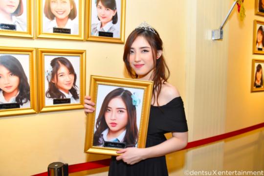 Kemarin, anggota JKT48 lulus hingga gaya parenting a la Angelina Jolie