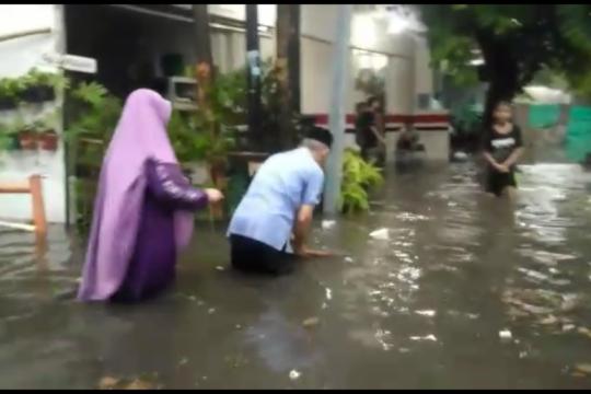 Banjir setinggi 60 sentimeter landa Kelurahan Cilandak Barat