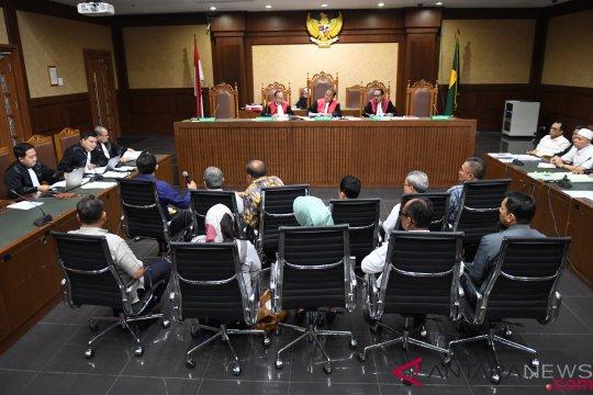 Delapan tersangka suap DPRD Sumut dilimpahkan ke penuntutan